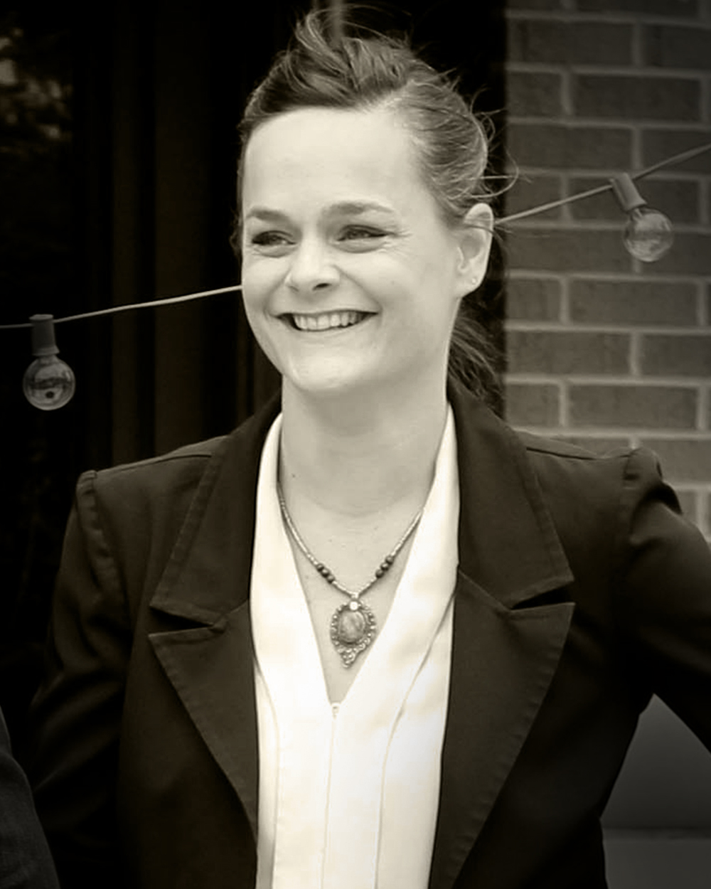 Eva Tucker